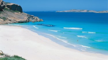 Couples may take long walks on the Esperance beaches.