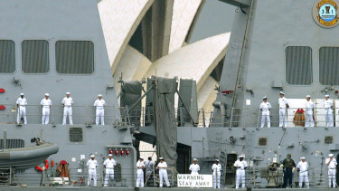 How I imagine the security staff at the Sydney Opera House would like visitors to be greeted.