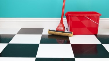 Men can spot a dirty, or clean, floor just as well as women.