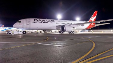 Qantas was forced to delay its direct Perth to London flight for the second time this month.