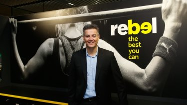 Super Retail boss Peter Birtles said he would stand down as CEO a month early.