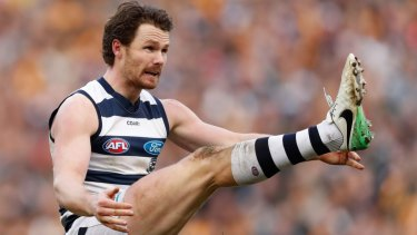 Patrick Dangerfield boots through the ball last year.