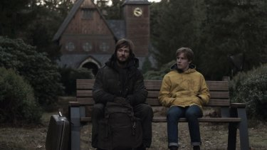 Andreas Pietschmann and Louis Hofmann in a scene from Dark.