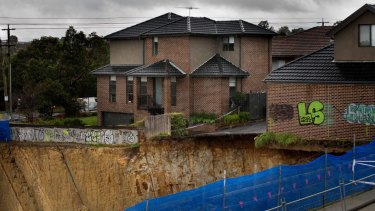 Engineers Australia cite a land collapse in Mount Waverley as evidence of the need for a registration scheme for their profession