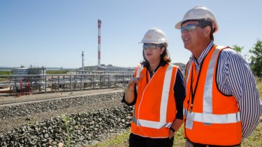 Premier Palaszczuk and Minister Anthony Lynham at the Queensland Curtis LNG plant.