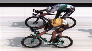 Dutchman Mike Teunissen pips Peter Sagan in a photo finish on stage one of the Tour de France.