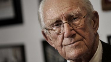 Former Liberal PM Malcolm Fraser convinced Jacqui Lambie of the need to remove children from detention on Nauru.