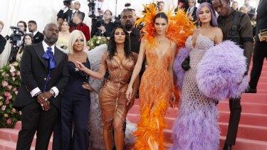 Kamp clan ... (from left) Corey Gamble, Kris Jenner, Kim Kardashian West, Kanye West, Kendall Jenner, Kylie Jenner and Travis Scott.