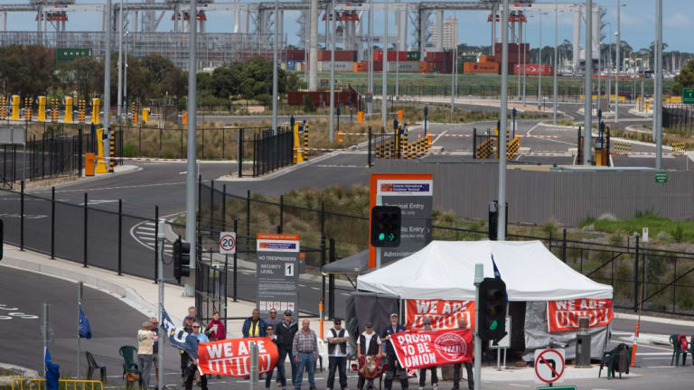 More than 1000 shipping containers carrying retail goods, Christmas decorations, fresh food and medicine were stranded on Mebourne's waterfront,