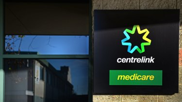 Legal Aid Victoria is launching a second test case against Centrelink's robo-debt recovery scheme.