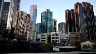 Almost one in five Melbourne apartments is being sold at a loss as falling prices and cash-strapped buyers squeeze the national market.