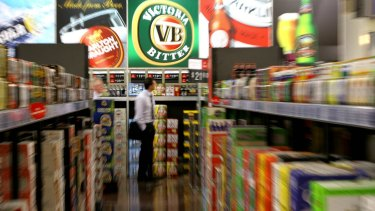 Woolworths has faced strong objections of its plans to develop a Dan Murphy's store in Darwin.