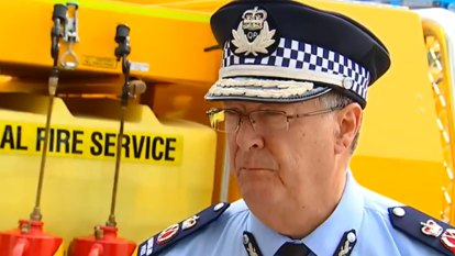 Former police commissioner Ian Stewart tasked with bushfire recovery