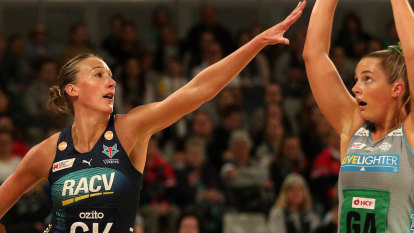 Melbourne Vixens jostling for top-two finish after beating Fever