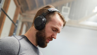The Fit 6100 have a clip that converts them from general use headphones to super-tight fitness headphones.