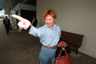 Independent MP Pauline Hanson arriving at Canberra airport, November, 1996.
