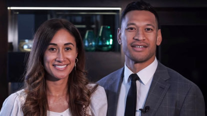 Folau 'vindicated' after calling truce, Rugby Australia says decision would give 'certainty'