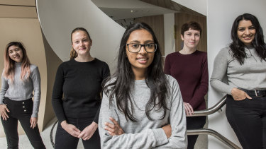 UTS is offering female high school graduates bonus points to study the course, meaning they'll be able to achieve a lower entrance score than their male counterparts.