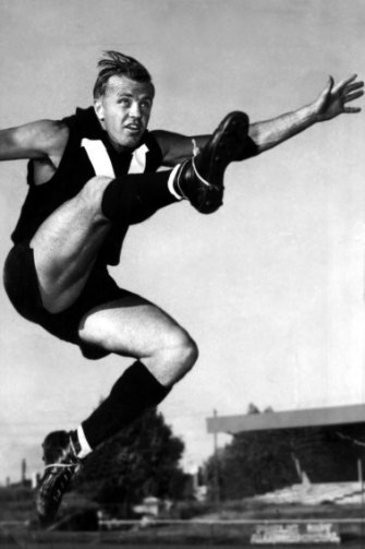 Ted Whitten at training with the Victorian state-of-origin side, 1963.