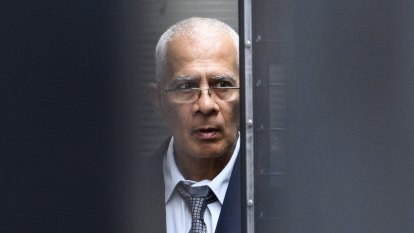 Man who stabbed wife to death had psychotic disorder, court told