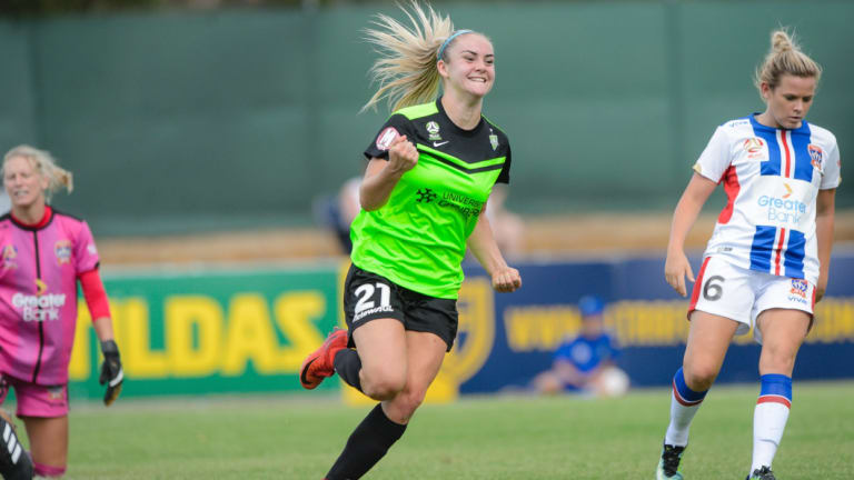 Matildas superstar has re-signed with Canberra United.