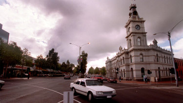 Lonsdale Street in Dandenong, 1999.