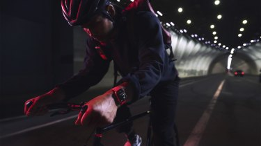Apple's WatchOS 8 comes with several improvements for tracking cycling workouts.