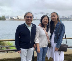 Coronavirus victim Chung Chen with his widow Juishan Hsu and daughter Vivian at Sydney Harbour.