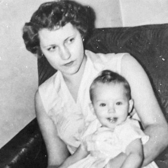 Stone as a toddler with her mother in 1960.