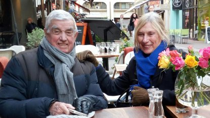 Australians in France stuck without pensions call for help