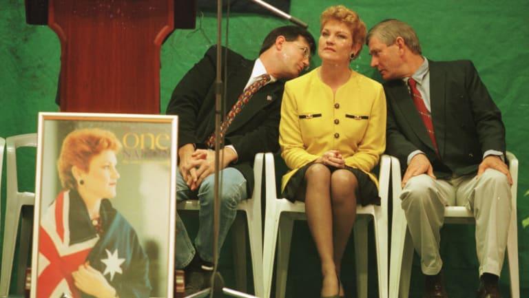 Pauline Hanson with David Oldfield and David Ettridge in 1998.