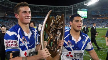Bulldogs players Sonny Bill Williams and Reni Maitua with the premiership in 2004.