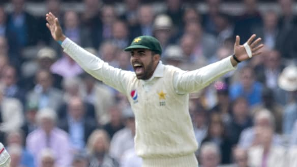 Pakistan players warned by anti-corruption officer over smart watches
