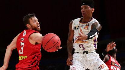 Didi Louzada dominates as Sydney Kings smash Perth Wildcats