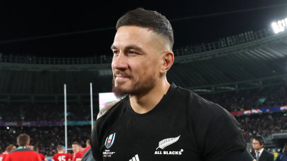 Sonny Bill earns LeBron, Beckham comparisons after officially joining Wolfpack