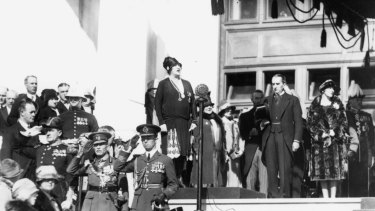 Dame Nellie Melba sings the national anthem at the opening of the new Parliament House in 1927.