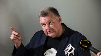 Labor asks AFP to investigate $350,000 job offer to Craig Kelly preselection challenger