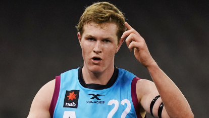 Giants to double up after trade with Crows