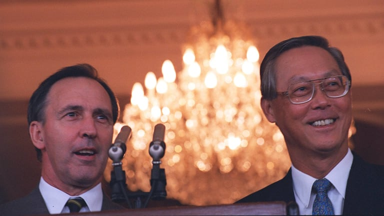 In 1995, a furious Paul Keating used a press conference with Singapore's Prime Minister to denounce Kerry Packer.