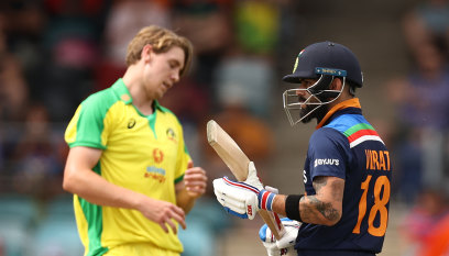 Australia v India ODI LIVE: Brilliant Finch review sends captain Kohli packing