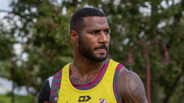 Suliasi Vunivalu trains with the Queensland Reds for the first time.