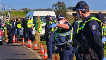 Police hand out $250,000 in fines in 24 hours to 'appalling' COVID-19 rule breakers