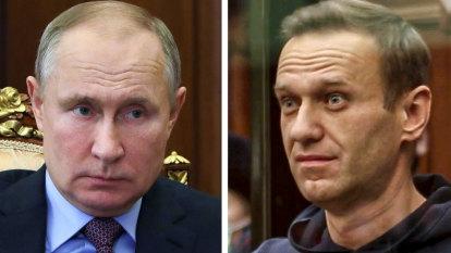 Please Explain podcast: James Bond or domestic politics? Russia's Navalny problem