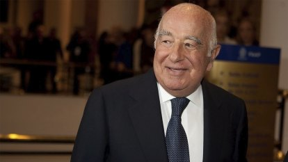 The death of world's richest banker thrusts heirs into spotlight