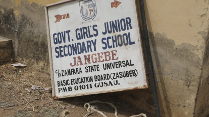 Hundreds of kidnapped schoolgirls freed, Nigerian governor says