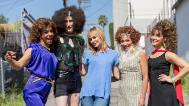Zackary Drucker (centre) on the set of Transparent with (left to right) Kase Pena, Delia Rawdon, Karina Samala, Carolina Gutierrez.