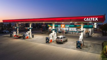 US oil giant Chevron has taken local service station operator Ampol to court over the use of its Caltex trademark.