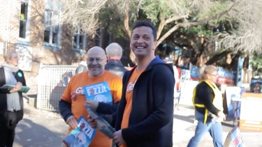 GetUp national director Paul Oosting with activists during this year's federal election.