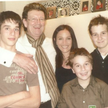 Red Symons with then-wife Elly and their three sons, from left, Raphael, Joel and Samuel, in 2005.