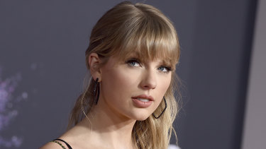 Taylor Swift has shared details of her upcoming rerecord of the album Fearless, which will include six new songs.